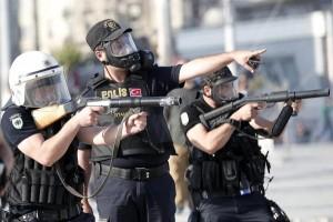 Policias-turcos