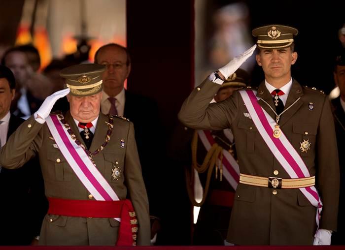 reyes_espana_ceremonia_a4