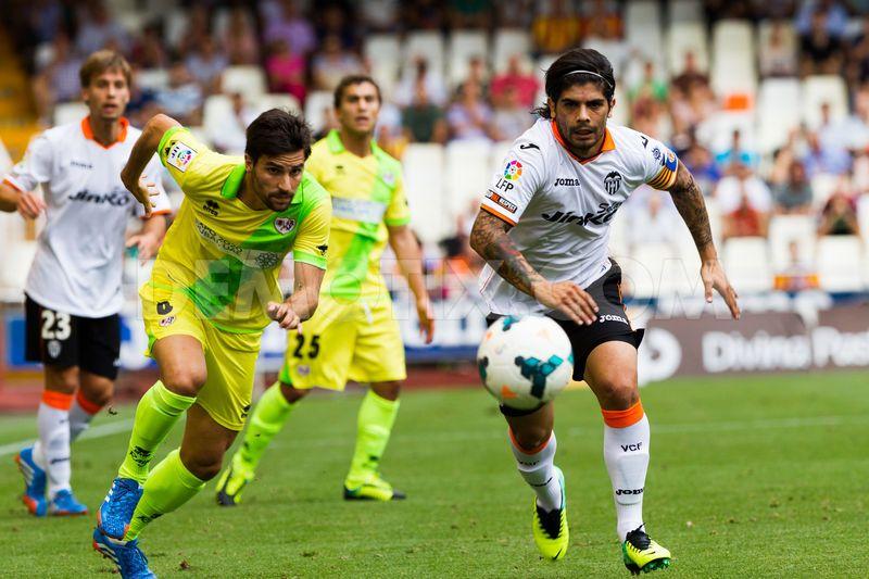 1380388858-valencia-beats-rayo-vallecano-10-in-la-liga-at-mestalla-stadium_2814699