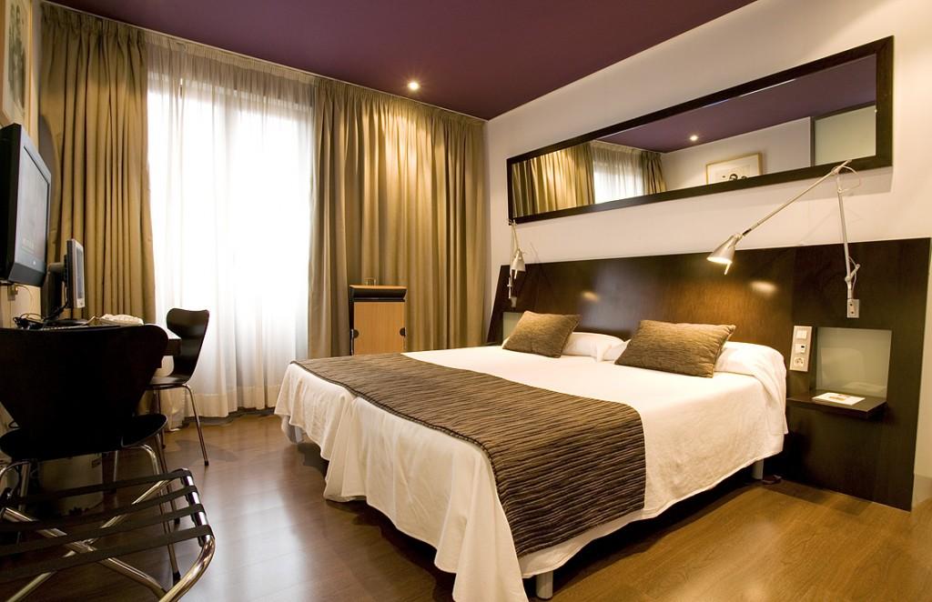 habitacion-triple-hotel-arana-bilbao